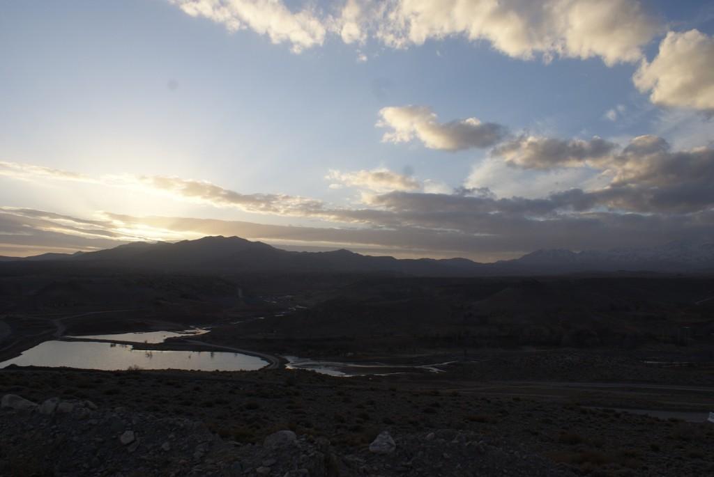 غروب دامنه کوه شاه